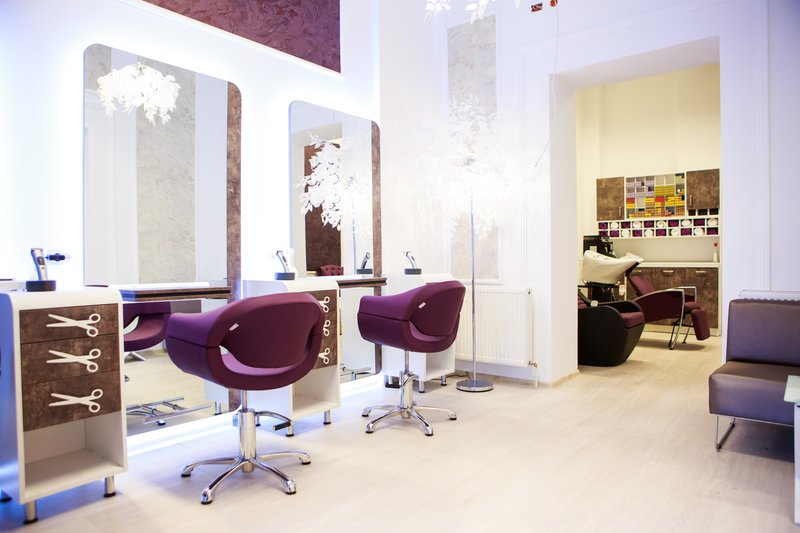 For sale: salon de infrumusetare lux ultracentral